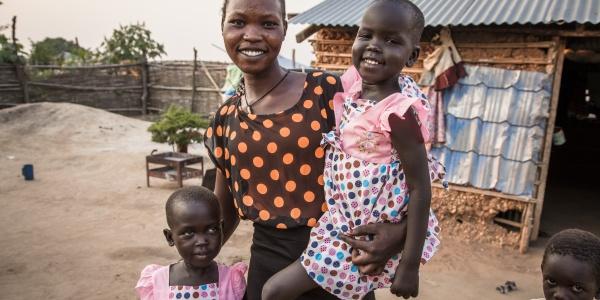 Grace può finalmente riabbracciare le figlie dopo una separazione di due anni